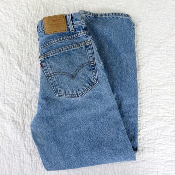 6b34712001e Vintage Levi s 550 Student Fit High Rise Mom Jeans